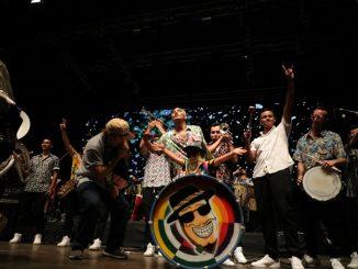Más de 20 mil personas y tendencia nacional marcó la primera noche del Festival