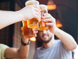 Cervezas y tragos: Opciones para regalar a papá