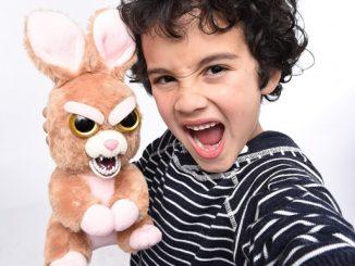 Tiernos animales de peluche que se convierten en aterradoras criaturas son los favoritos de los niños en redes sociales