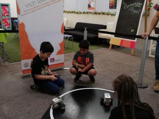 Más de 200 niños y niñas jugaron y aprendieron con robots en Puerto de Ideas