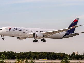 LATAM dispone vuelos especiales para repatriar a sus pasajeros