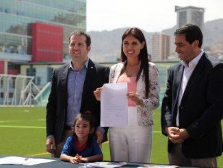Municipio asume administración del Complejo Deportivo Escolar Angamos