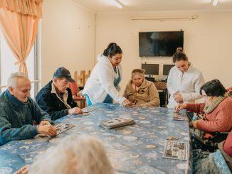 Frente al Coronavirus: Fundación Las Rosas entrega consejos para cuidar a las personas mayores