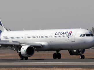 LATAM Airlines seguirá volando a capitales regionales y transportará gratuitamente personal médico para combatir la pandemia