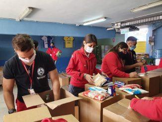 Municipio entregó mil 600 canastas de alimentos a conductores del Transantofagasta y Sindicato de Buzos Mariscadores