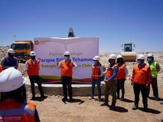 Subsecretario de energía y autoridades regionales visitan parque eólico Tchamma para conocer estado de avance