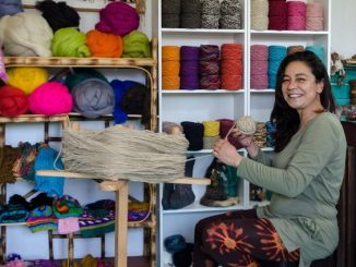 Tienda virtual de Desafío Levantemos Chile ofrece más de 700 emprendimientos locales para hacer regalos esta Navidad