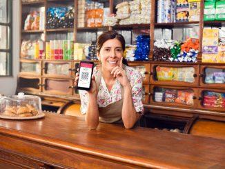 Paga sin contacto físico durante este verano: Cobro QR entrega seguridad y simplicidad a los comercios y sus clientes