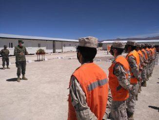 Comandante en Jefe inspecciona unidades en el altiplano