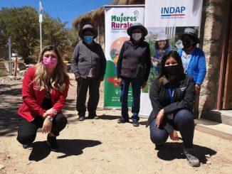 Convenio entre Indap y Prodemu apoya a agricultoras de Toconce