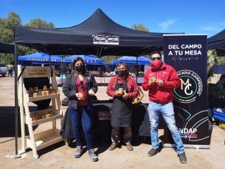 Usuarios de Indap participan de feria agrícola en San Pedro de Atacama