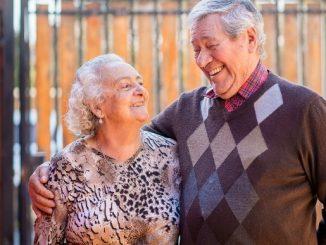 """132 matrimonios de la región de Antofagasta han recibido el bono """"Bodas de Oro"""" durante el 2021"""