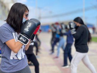 El boxeo se tomó el Parque Gran Avenida gracias a talleres impartidos por Mindep e IND