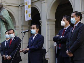 Delegación china conocerá terreno para posible instalación de planta productora de vacunas