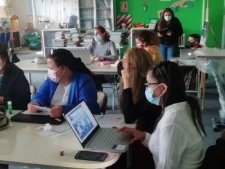 Cuerpos docentes incorporan nuevas herramientas y métodos de enseñanza en sus comunidades educativas
