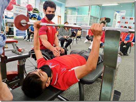 Clínica de para-powerlifting 5